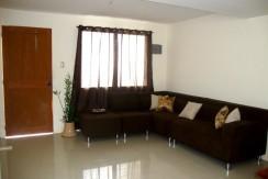3BRliving room